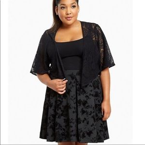 Torrid Shrug Black Embroidered Lace Sz 2x 3x